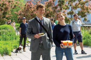 zoey deutch glen powell cinemagia newmoney