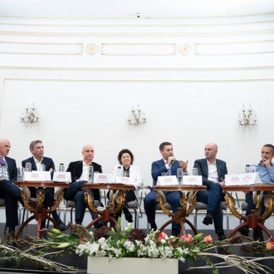 Care sunt cele 100 de idei care pot salva România, transmise de cei mai puternici oameni de afaceri