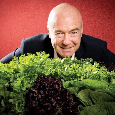 Trebuia să fie inginer, iar acum conduce un business cu salate de peste zece milioane de euro