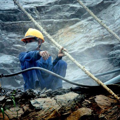 """România va crește """"importul"""" de muncitori din Vietnam. Ce acorduri s-au semnat între cele două țări"""