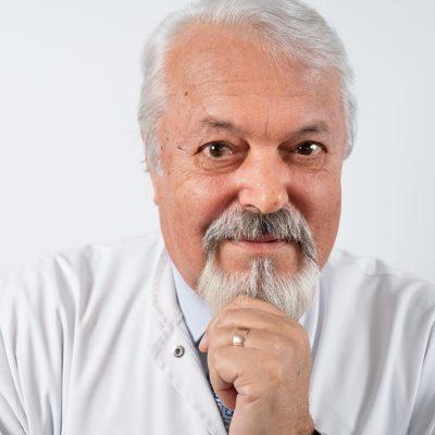 Un antreprenor din București vinde suplimente alimentare despre care spune că înlocuiesc antibioticele