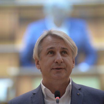 Teodorovici: Rectificarea bugetară va fi însoţită de concedieri