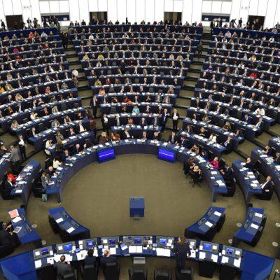 Cât câștigă un europarlamentar: Salariul, diurnele și indemnizațiile pot să depășească 1 milion de euro în 5 ani de mandat