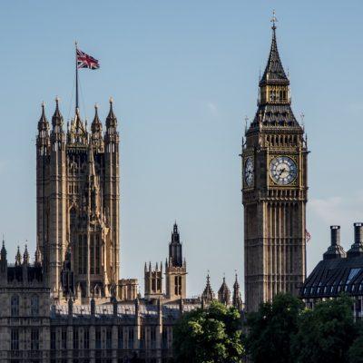 VIDEO. Marea Britanie se pregăteşte pentru al doilea val al pandemiei de COVID-19. Recomandări pentru cetăţenii români