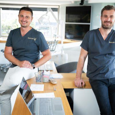 Povestea medicilor din Focșani care au reușit să deschidă o clinică stomatologică cu venituri de 2 milioane de euro