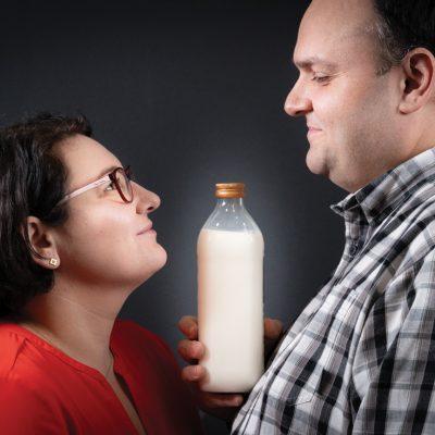 Cum au reușit doi foști corporatiști să facă, în nici doi ani, din Lăptăria cu Caimac unul dintre cele mai puternice branduri din industria laptelui