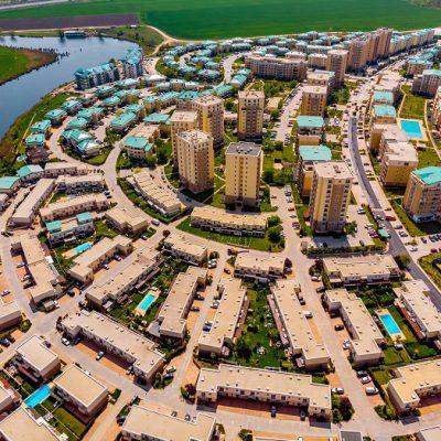 Cosmopolis ajunge la 4.100 de locuințe finalizate și peste 10.000 de locuitori după investiții cumulate de peste 350 de milioane de euro