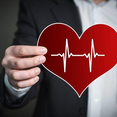 Care este pulsul normal la adulți în repaus. De câte ore trebuie să bată inima