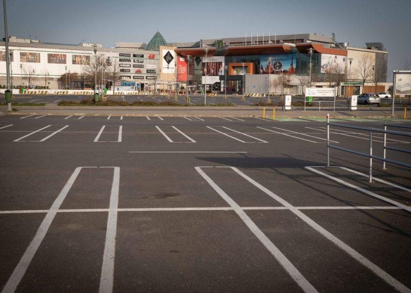 Mall-urile, restaurantele și terasele rămân închise și după 15 mai