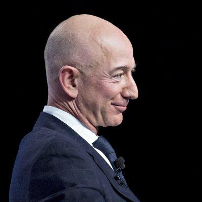 Decizie de miliardar. De ce s-a întors Jeff Bezos la muncă