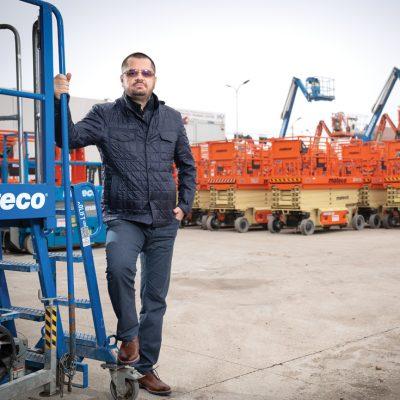 Ștefan Ponea și-a vândut afacerea de închiriere de echipamente industriale în 2016, dar o conduce ca și cum ar fi în continuare a lui