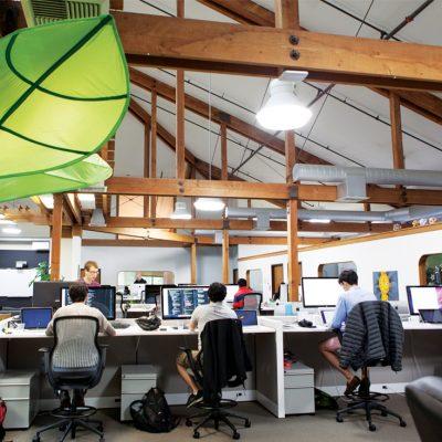 De ce mulți angajați care au rămas fără serviciu pe fondul pandemiei aplică pentru reconversie profesională în domeniul IT