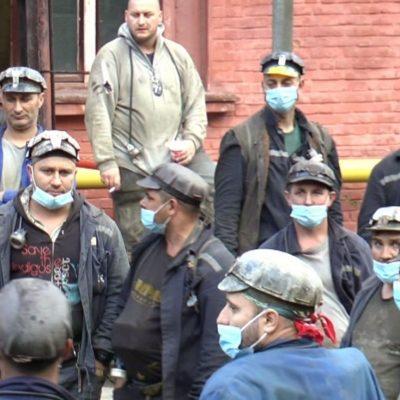Guvernul a aprobat banii restanți pentru tichetele de masă și sporurile minerilor din Valea Jiului