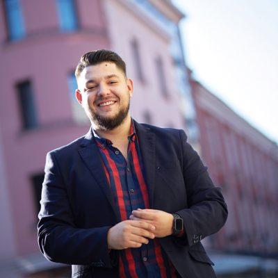 Povestea antreprenorului din Timișoara, care în plină pandemie a obținut venituri de peste un milion de euro din conținut educațional online
