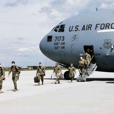 Primii militari români s-au întors din Afganistan. MApN: 27 de militari şi-au pierdut viaţa şi peste 200 au fost răniţi