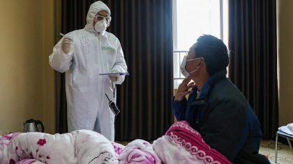 """Un medic chinez face anuntul care schimba TOT ce stiam despre CORONAVIRUS. """"Virusul ii ataca pe..."""""""