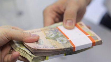 ATENȚIE, români! Se dau bani de la stat. Cine sunt cei care pot beneficia de acest ajutor