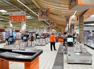 Cora deschide 100 de case self-scan în toate hypermarketurile din țară